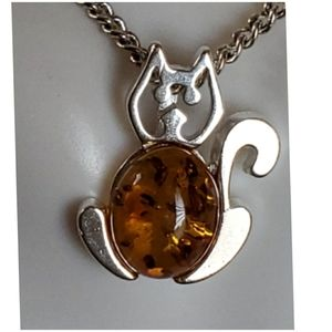 Jewelry - Genuine Baltic Amber Kitty Pendant/Necklace